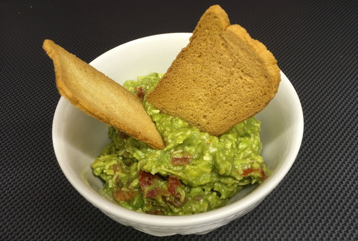 Guacamole with a Dutch streak photo: ©️Nel Brouwer-van den Bergh
