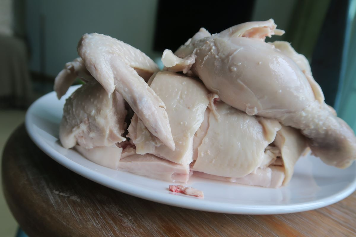 poached chicken photo: ©️Nel Brouwer-van den Bergh