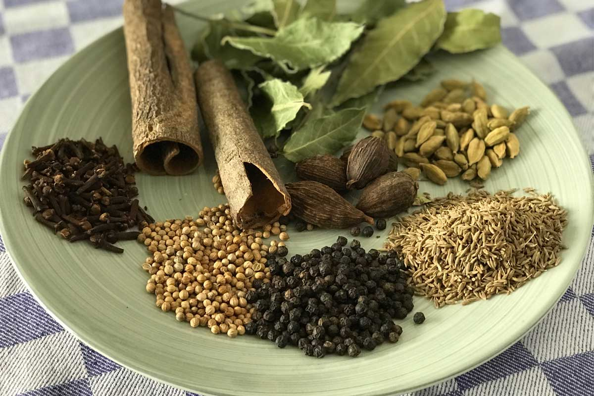 garam masala ingredients photo: ©️Nel Brouwer-van den Bergh