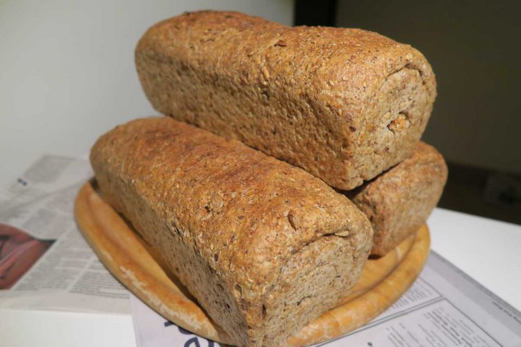 multi-grain-and-seed loafs-stack photo: ©️Nel Brouwer-van den Bergh
